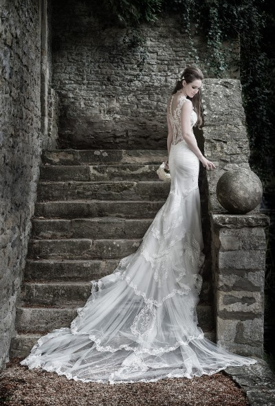 Being a wedding photography for Le Manoir Aux Quat'Saisons is a real privilege (you can see why!)